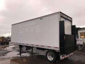 2005 UTILITY 28' REEFER LIFTGATE TRAILER 4088102589-150x150
