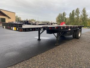 2009 UTILITY 26' OUTSIDE FRAME FLATBED WITH PRINCETON KIT(3 AVA 6152712413